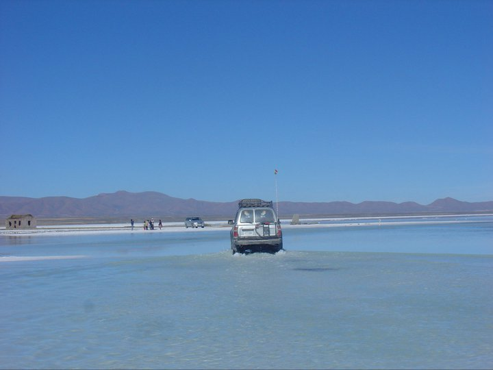 In Bolivia attraversando il Salar del Uyuni
