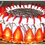 torta panna e fragole farcita alla crema chantilly pasticcera