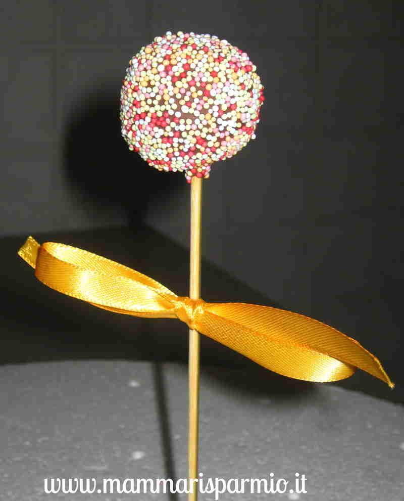 cake pops decorati con zuccherini colorati