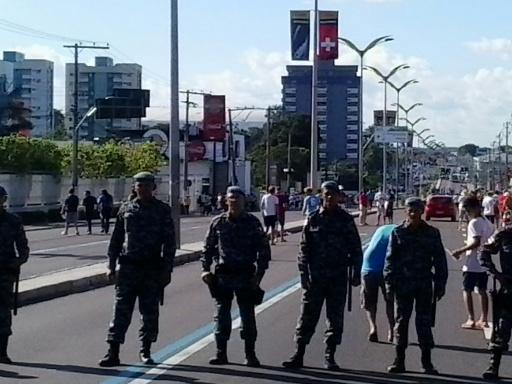 Sbarramento vicino allo stadio di Manaus