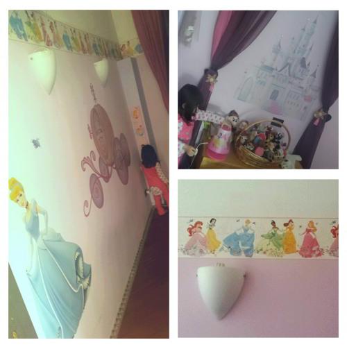è la cameretta della mia bimba, che ho decorato con degli adesivi ...