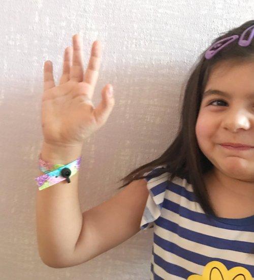 braccialetto bambini con telefono
