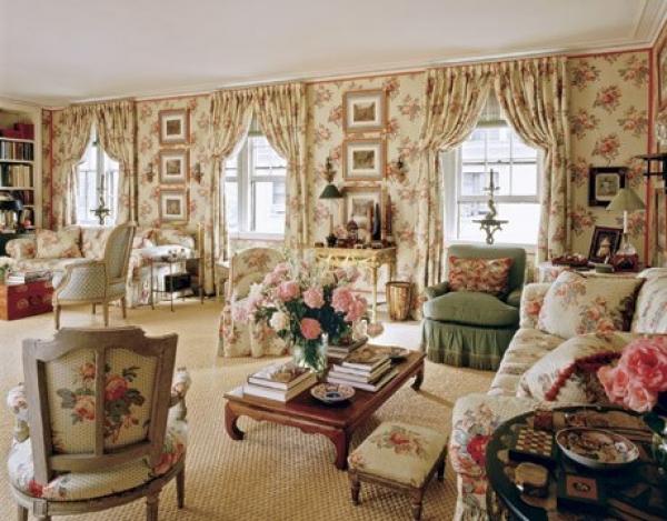 divani a fiori soggiorno