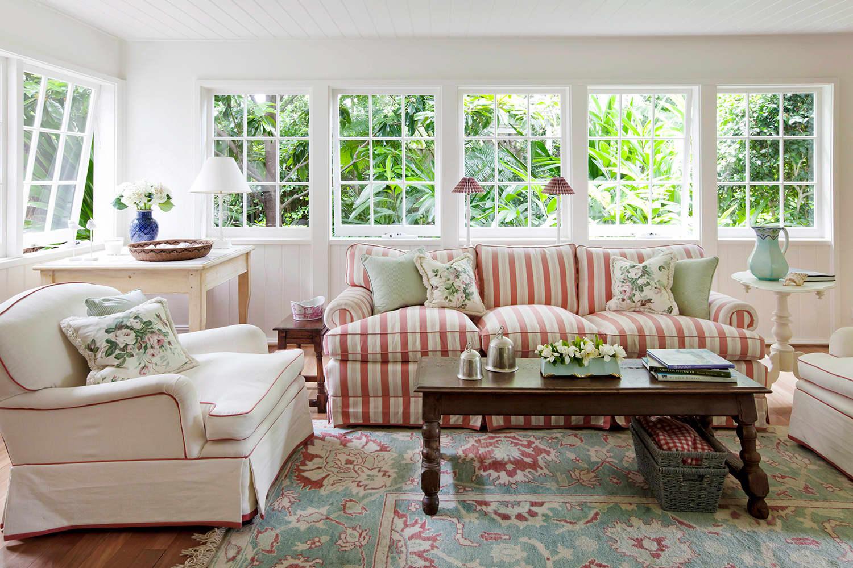 Divani classici tante idee per arredare il tuo salotto in for Country house arredamento